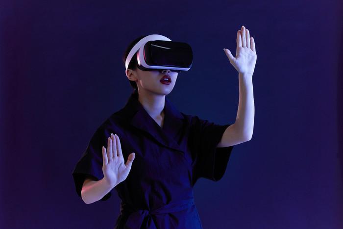 VR (1).jpg